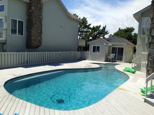 Concrete Residential Pool #025 by PM Pool And Spas